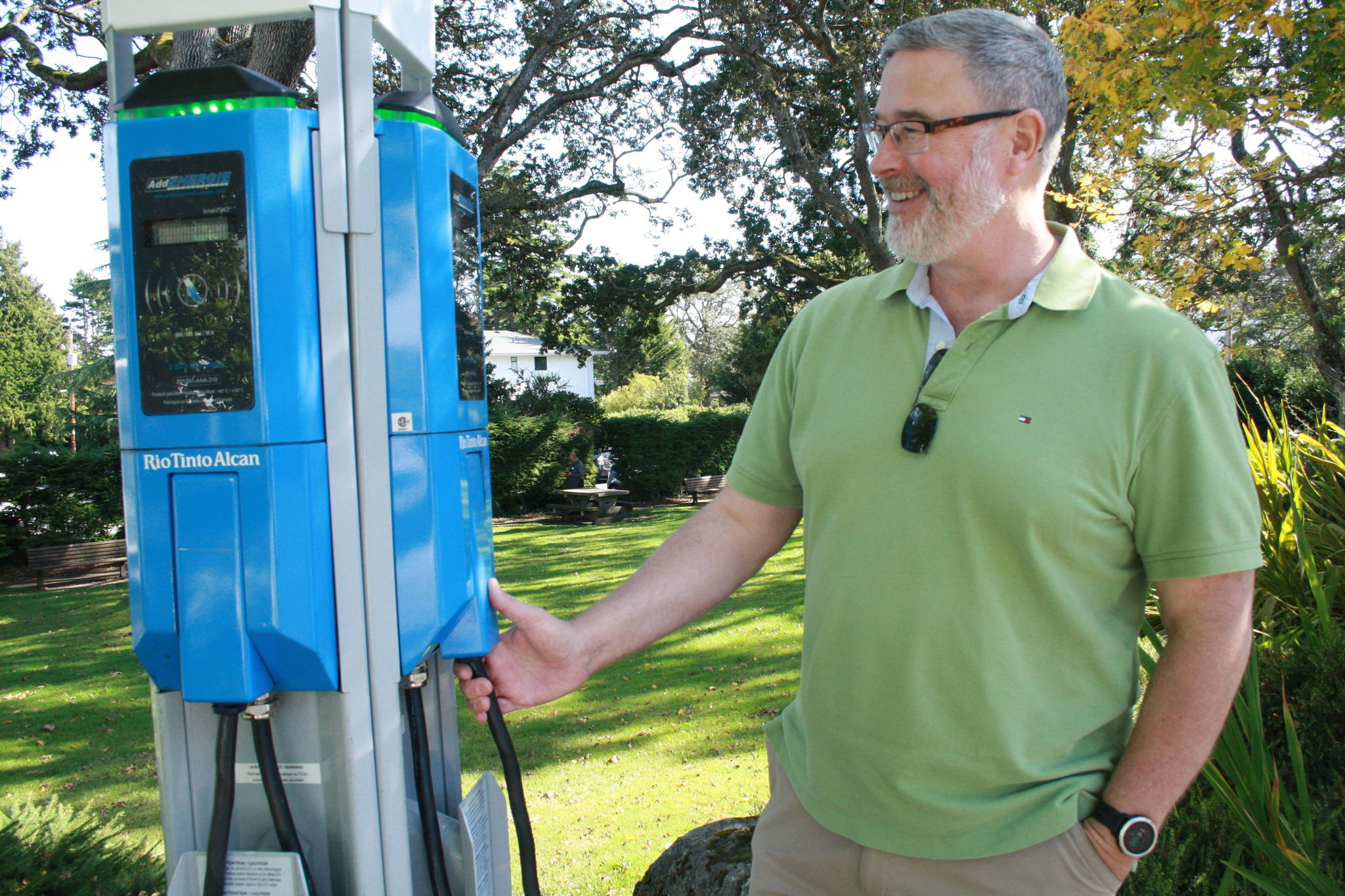Drivers are 'ICE-ing' electric car charging spots in Greater Victoria